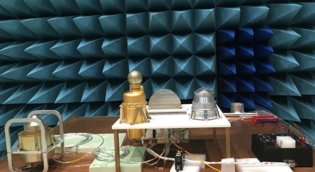 Elektromagnetiska tester av ingenjörsmodellen av PEP vid ESA:s främsta teknikutvecklingscentrum ESTEC i Nederländerna under 2019. Foto: Atakan Sirin, IRF.