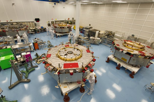 Energi och gränser i rymden: Nya resultat från fyra satelliter